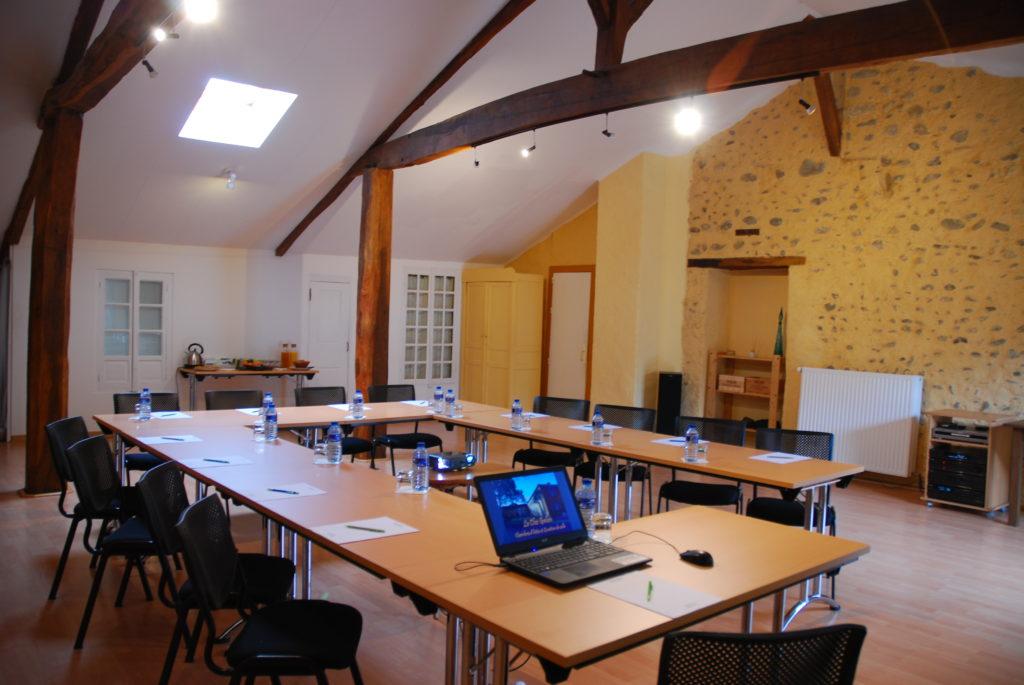 Salle de r union s minaire le clos galan for Reglementation capacite salle de reunion